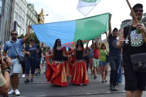 El 1er Encuentro LGBTIQ Romaní fue empoderador y motivador, además de ponernos a trabajar en red para seguir consiguiendo nuevos logros y lograr un estatus legal. Imagen: Gay Pride en Praga